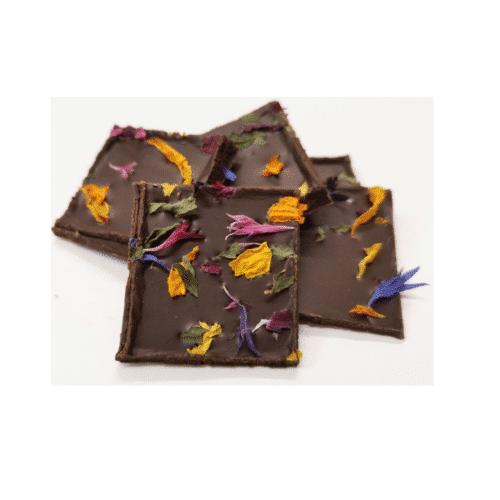 Zartbitterschokolade mit Minze und Blüten